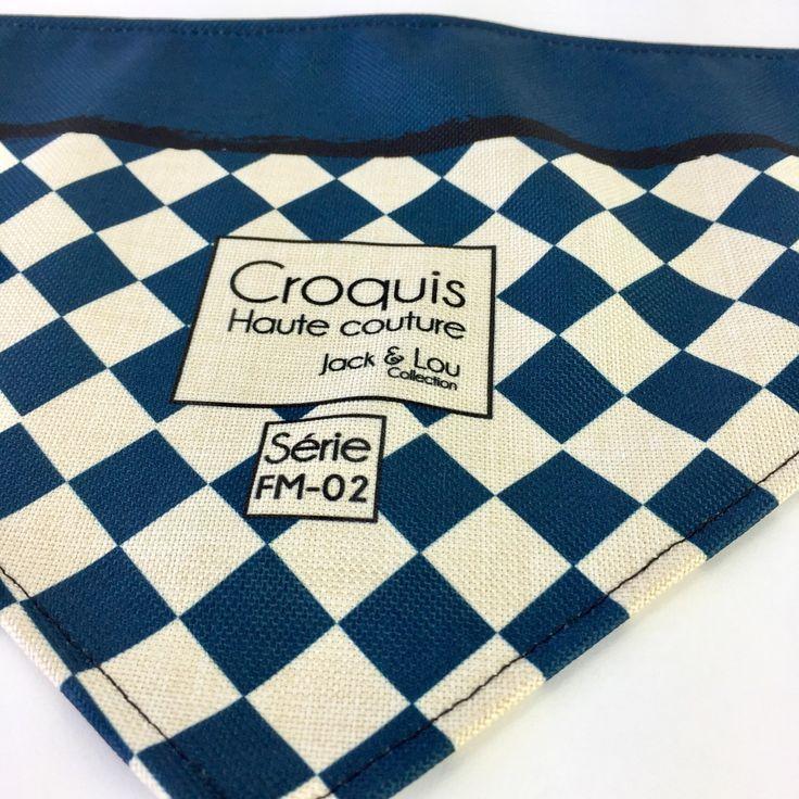 Le chouchou de ma boutique https://www.etsy.com/ca-fr/listing/500172100/foulard-pour-chiengrandeur-moyenboutons