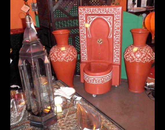 fontana e vasi in tadelakt realizzata a mano dai nostri artigiani marocchini