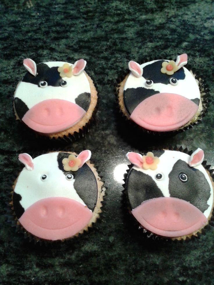 Koeien cupcakes als bedankje na het boerderij feestje