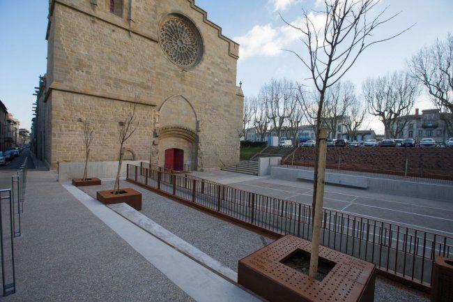Le nouveau parvis de la cathédrale Saint-Michel à Carcassonne inauguré en février 2018. Photo: Julien Roche / Ville de Carcassonne