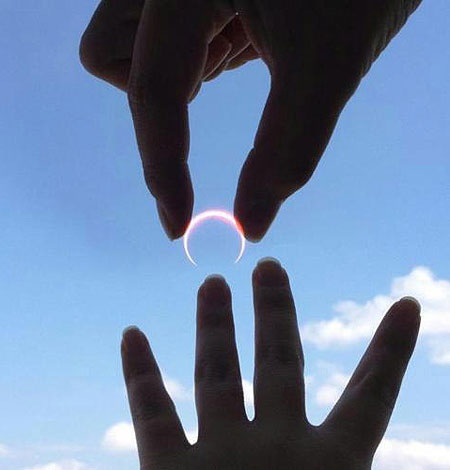 Marry me?: Force Perspective, Solareclip, Engagement Photo, Moon Rings, Wedding Rings, Solar Eclip, Rings Of Fire, Marriage Propo, Engagement Rings