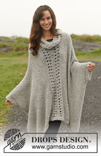 """Knitted DROPS poncho with lace pattern in """"Alpaca Bouclé"""". Size: S - XXXL. ~ DROPS Design"""