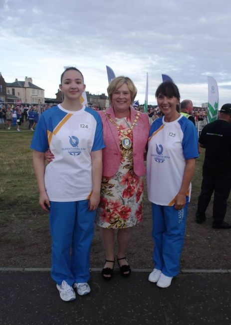 Ardrossan had an extra special relay handover in the shape of mother and daughter duo Suzanne and Jordan Fernando.