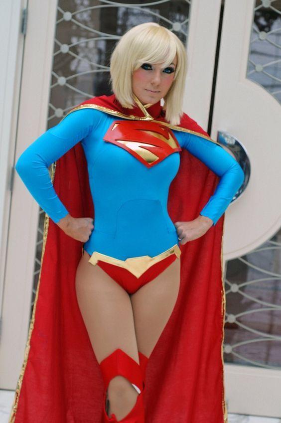 Jessica Nigri -Supergirl Cosplay