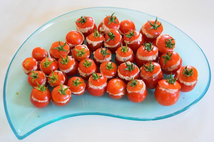 Tomates cerises farcies aux rillettes de thon