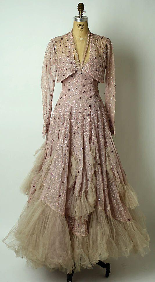 GORGEOUS 1943 dress