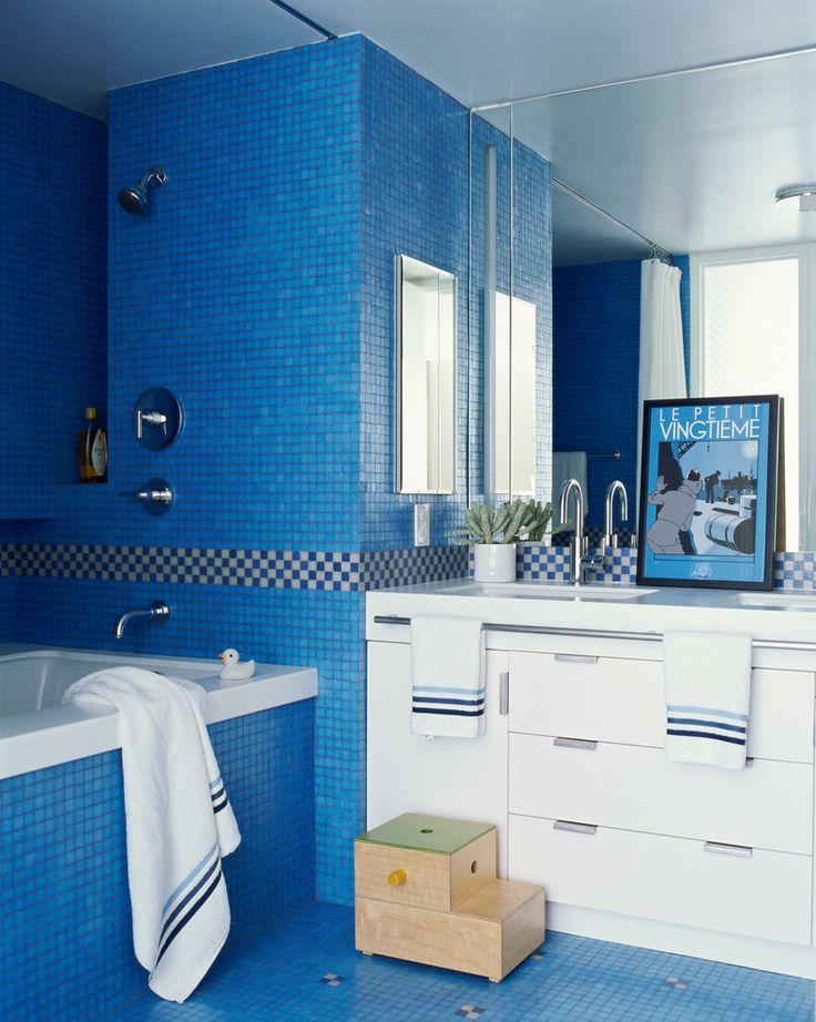 With White In Children S Bathroom Lisa Pomerantz New York Apartment Elle Decor