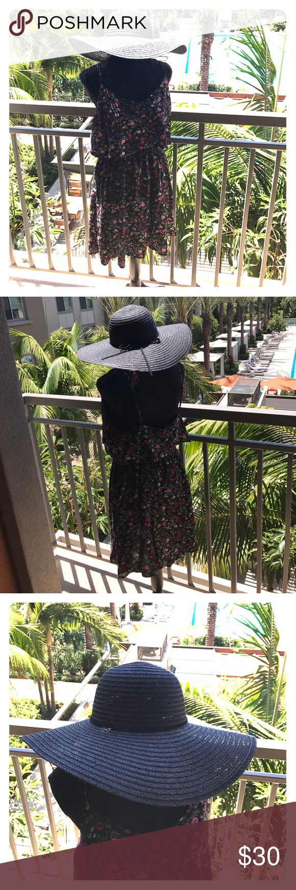 H&M ❤️ Coachella Dress w/Hat Floral print  light weight dress with elastic waist! Supa chic floppy straw hat! Perfect for that next festival or Vacay!! 🌴⭐️💃🏾 H&M Dresses Mini