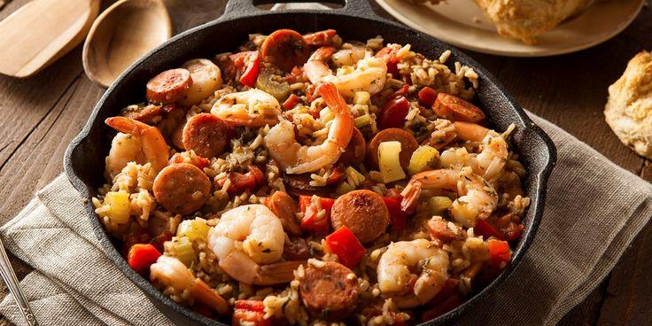 Jambalaya er en herlig spicy og spennende rett som byr på en råvaremiks av de sjeldne! Prøv vår oppskrift med både fisk og kjøtt i skjønn forening.
