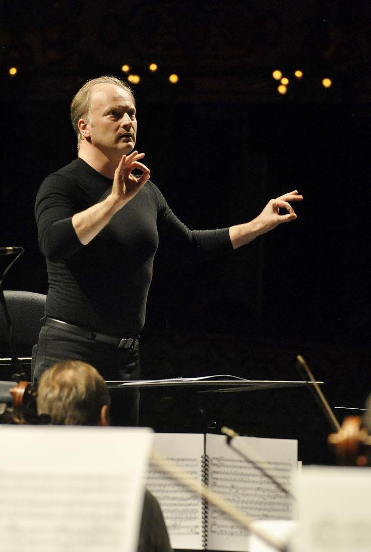 Prove di Orchestra e Coro del Teatro Regio di Torino diretti da Gianandrea Noseda (foto Annalisa Andolina)