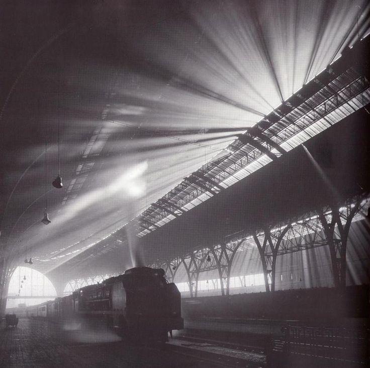 Estación de Francia,1950. Francesc Català-Roca.