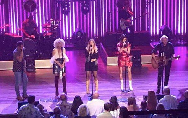 "Miranda Lambert Sang ""Goodbye Earl"" with Little Big Town and It Was Perfection"