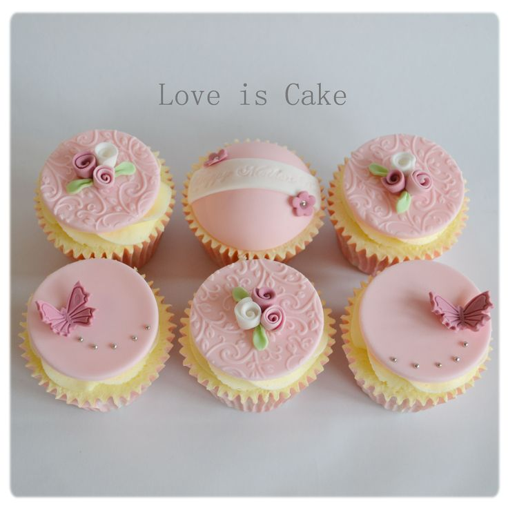 Mother's day cupcakes (UK) - It was Mother's day in the UK yesterday and these were just some of my cupcakes that went out to some lucky Mummies :)
