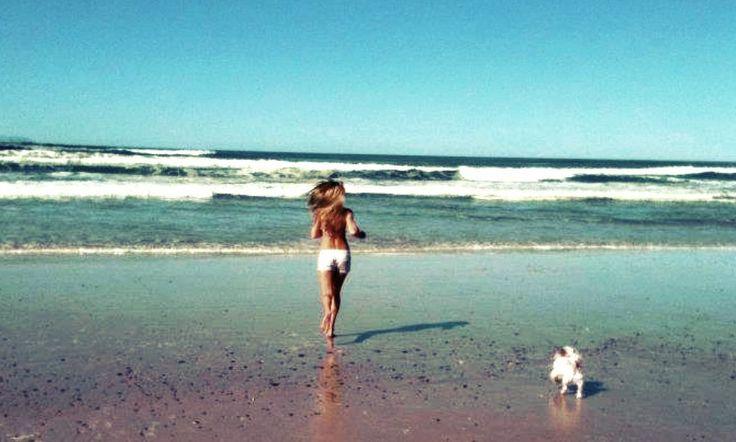 Run with Tiger - Tallows Beach Byron Bay