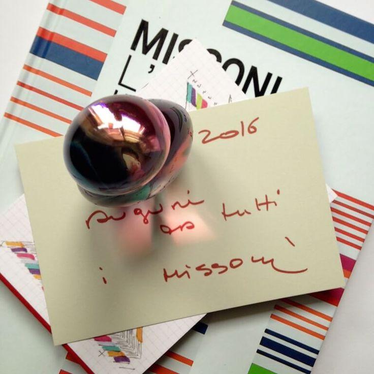 E' allegra, fresca, pura, socievole, educata. Arriva in punta di piedi. Missoni Eau de Parfum è per le donne che vivono il presente. #missoni
