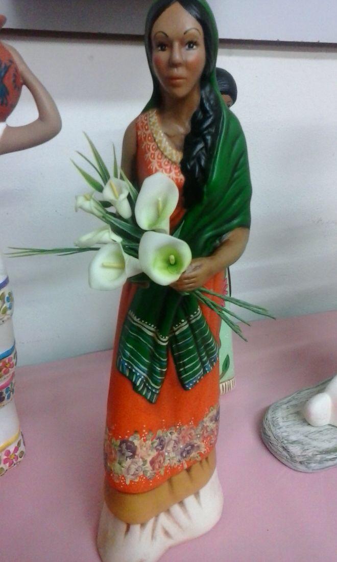 Campesina pintada en cerámica