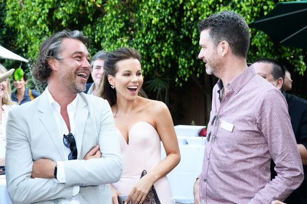 Kate Beckinsale Photos Photos - Actress Kate Beckinsale (C) and BAFTA Board Member James Knight (R) attend the BAFTA LA Garden Party on June 26, 2016 in Los Angeles, California. - BAFTA LA Garden Party