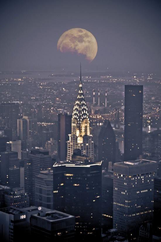 Full winter moon and the Chrysler building, New York