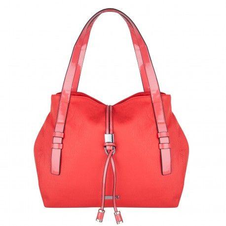 El bolso de moda del momento.  Bueno, bonito y barato. Color fucsia actual y a la moda. Calidad superior,  único y exclusivo, y un precio inigualable. Distribución de complementos, bolsas, bolsos, carteras, etc. http://intueriecommerce.com