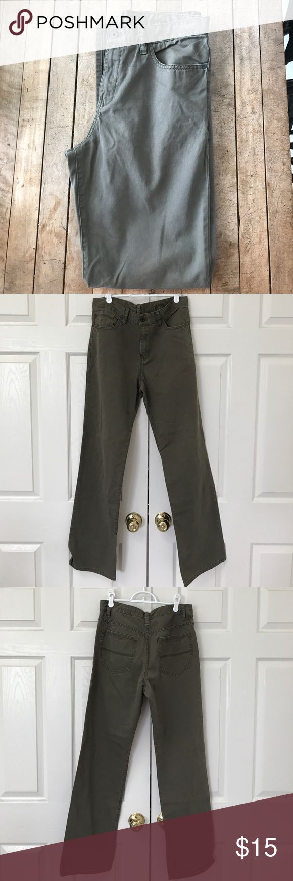 Men's Olive Green Timberland Khaki Pants Great condition! Can be worn dress up or casually. Looser fit. Size 32 waist / 34 length. Timberland Pants Chinos & Khakis