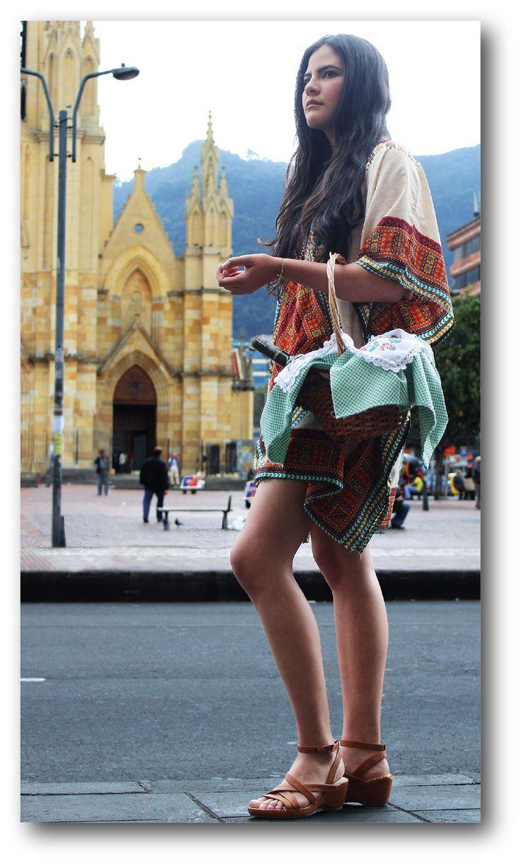 Fotografía de moda con concepto artesanal en Bogotá, Colombia.