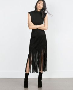 Fringed skirt by Zara. Learn what to wear this fall >>> http://justbestylish.com/what-to-wear-this-fall/