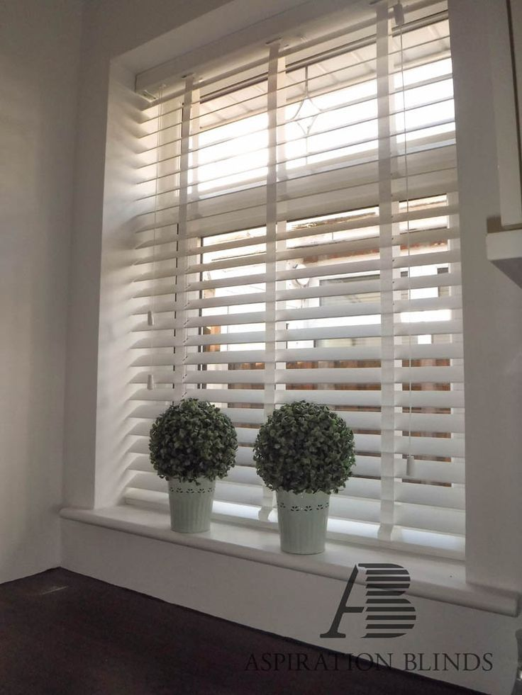 Wooden Venetian Blinds Made To Measure In Bolton In 2020 Living Room Blinds Curtains With Blinds White Wooden Blinds