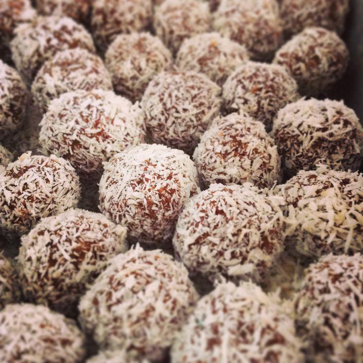 Coconut Truffles #dodigourmet #sweets