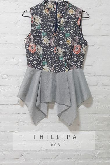 Phillipa 008 IDR 520.000 V-Neck Body Fit Floral Batik Cap with Pearl…