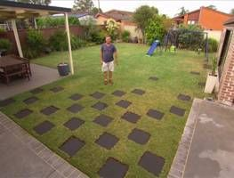 All you need is a few pavers to give a little oomph in the garden. Jason shows you how to lay pavers in a stylish checkerboard pattern to quickly turn a dull space into an attractive feature.