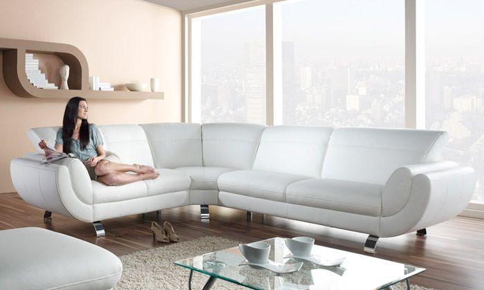 Sedacím soupravám dominuje minimalismus a luxus