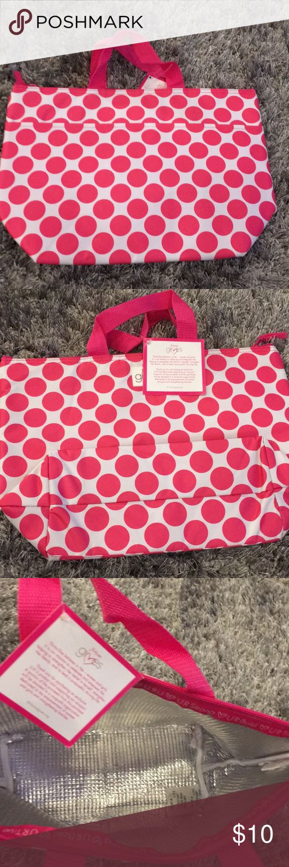 Thirty-one lunch bag Hot pink polkadots. New with tags, thermal lunch bag L 9.5 inches H 9.5 in W 4.5 inches Thirty-one Bags Travel Bags