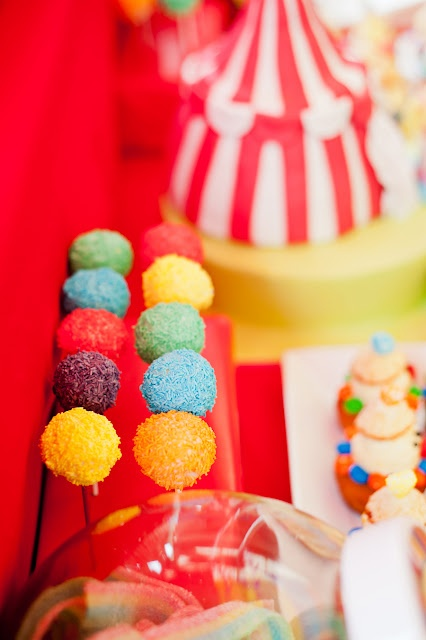 Sweets for a circus table / Dulces para una fiesta circo