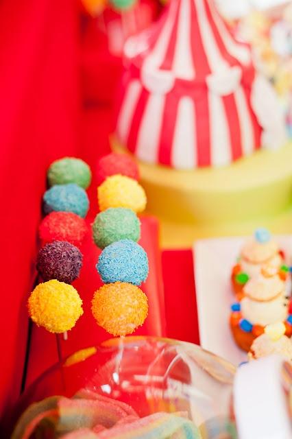 Sweets for a circus table / Dulces para una fiesta circo