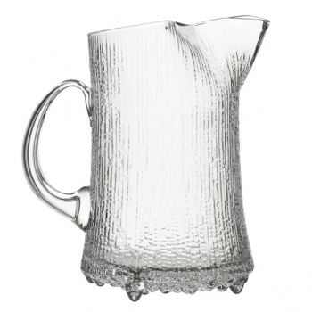 Iittala glass. the absolute in Finnish design. I love this range!! Please someone buy me the whole set :)