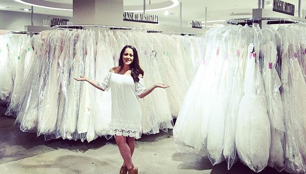 Jenelle Evans Beams While Wedding Dress Shopping: See The Bride-To-Be's Choices https://tmbw.news/jenelle-evans-beams-while-wedding-dress-shopping-see-the-bride-to-bes-choices  'Teen Mom' star Jenelle Evans excitingly took to Instagram to show off her happy wedding dress shopping adventure. See her fun-loving pics here!Jenelle Evans is getting married! The 25-year-old Teen Mom star posted Instagram photos of her search for the perfect wedding dress and she looked absolutely thrilled! Jenelle…