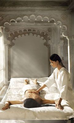Lux Salon Spa - AVEDA Hair Salon and Spa, Fullerton CA (714) 525-3337 - Massage