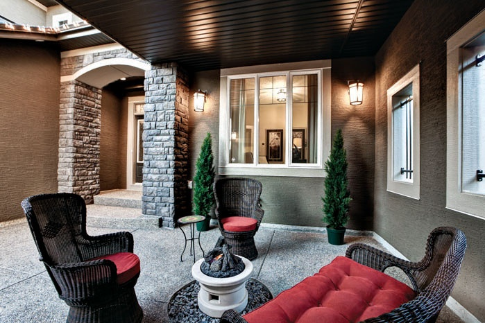 Gienow Windows in Shane Homes' Cambrian IV Showhome Courtyard in Valley Pointe Estates