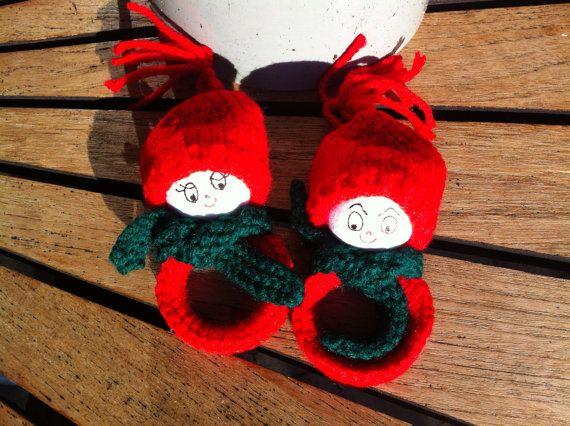 Danish Vintage Christmas Napkin Rings in the Shape of Christmas Elves, Handmade, Knitwear, From the 1990s, Nisse, Gnome,Scandinavian,Swedish