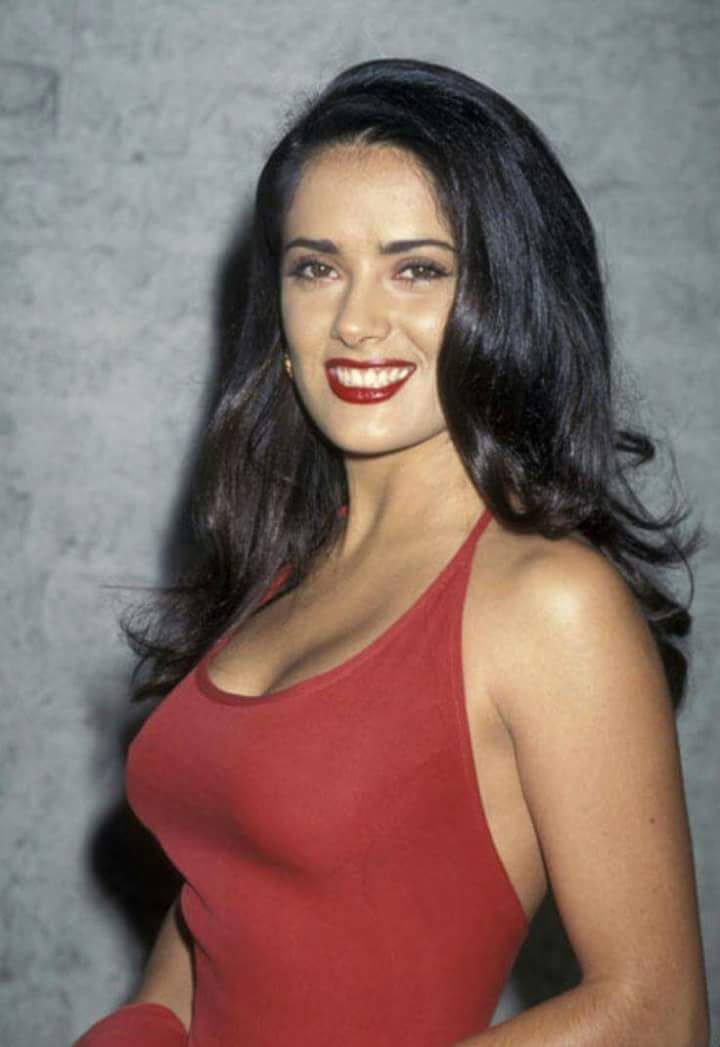 Salma Hayek ...50 years old???!!!