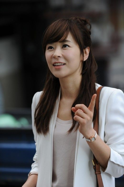 Choi Kang Hee (Protect the Boss). Loved all her outfits in the drama. Rocked it like a pro.