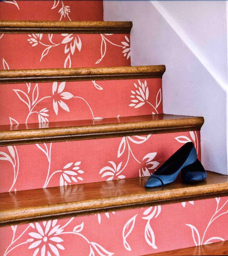 Wallpaper on stair risers.  Hmm.: Wallpaper Stairs, Decor Ideas, Stairs Risers, Wallpapers Stairs, Stairs Treads, Basements Stairs, Stair Risers, House, Wallpapers Stairca