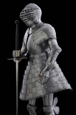 Tonlet armour of King Henry VIII. English, Southwark, 1520. Made to replace the foot combat armour (II.6) for the great tournament, known as the Champ de Drap d'Or or Field of Cloth of Gold, held between Francois I, King of France and Henry VIII in 1520