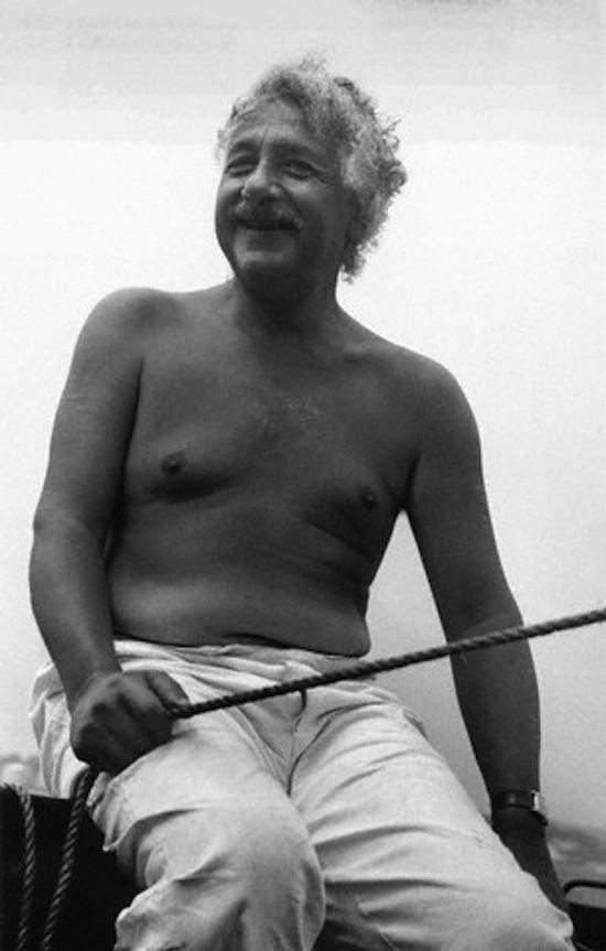 Laughin' | 18 Photos Of Albert Einstein Being Super Chill