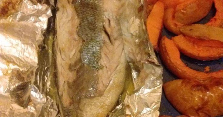 """Fabulosa receta para Salsa simple para pescados a la parrilla . El salseado de los pescados a la parrilla, presenta siempre un tema controvertido, yo propongo esta simple receta que no nos dejará mal parados aún con pescados de río. Sobre estos hay un truco """"como quitar gusto a barro en pescado de río""""."""