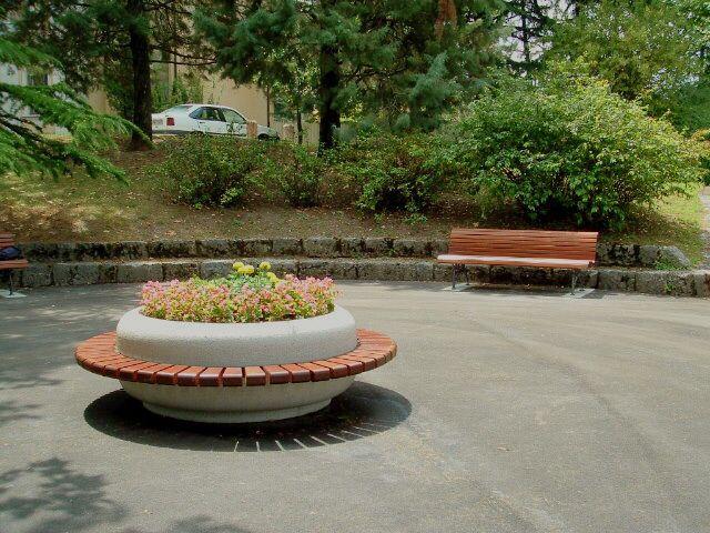 SATURNIA planter - bench #Bellitalia street furniture - arredo urbano