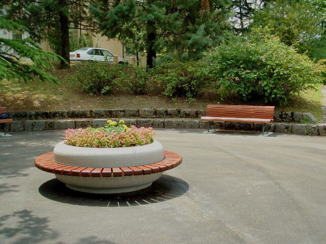 SATURNIA planter - bench #Bellitalia street furniture - arredo urbano