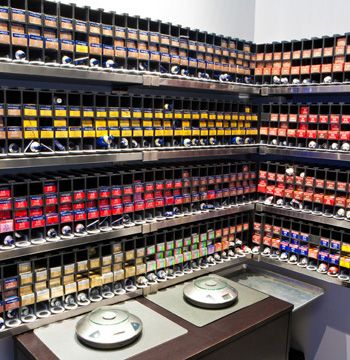 Now that is a color bar- love how clean and organized it is: Lp Colorbar, Hair Salons, Salons Cars, Future Salons, Beautiful Salons, Dreams Salons, Salons Barbershop, Colors Bar I, Spa