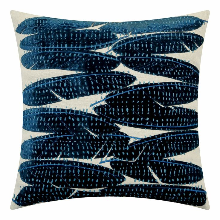Fetahers in deepsea blue, 16 beuatifully detailed feathers. #velvet #embroidery #feathers