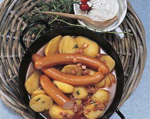 Kartoffelgulasch mit Wienerli